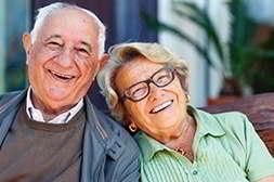 Снорекс от храпа могут использовать люди любого возраста